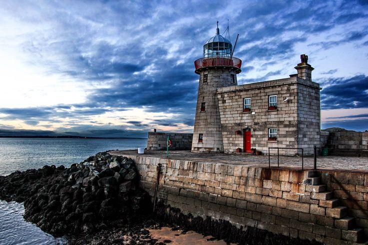 #Lighthouse - #Faro di Dublino - #Irlanda    http://dennisharper.lnf.com/