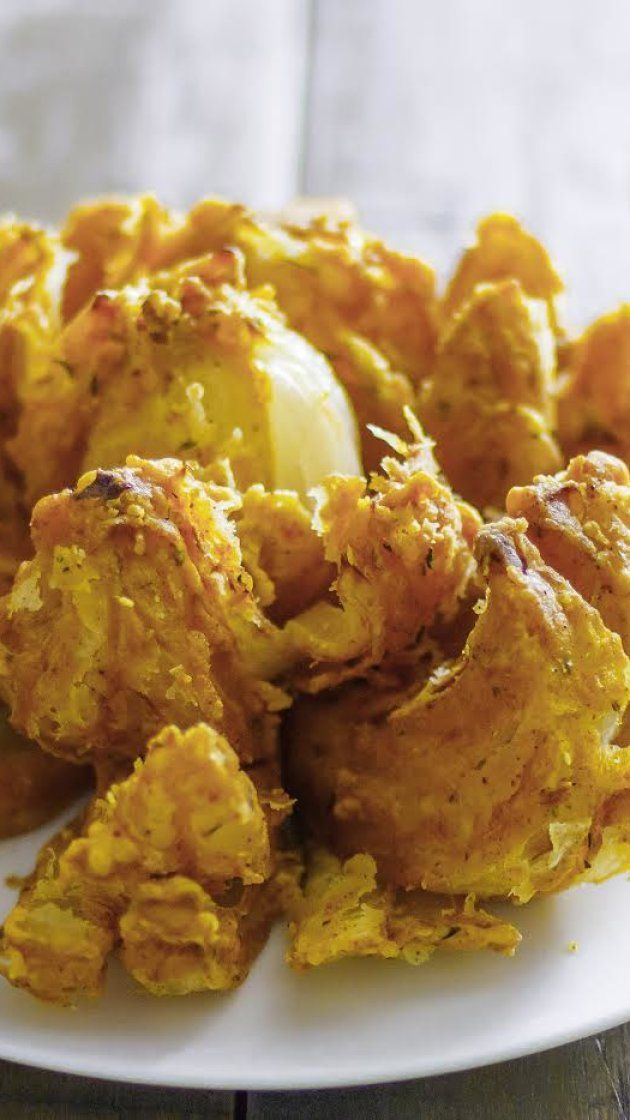 Make Outback Steakhouse's infamous blooming onion at home via @AOL_Lifestyle Read more: https://www.aol.com/article/lifestyle/2017/03/16/best-bites-outback-onion/21897649/