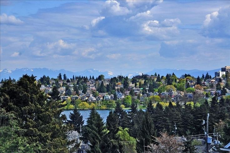 Phinney Ridge - fun house. $895 House vacation rental in Seattle from VRBO.com! #vacation #rental #travel #vrbo