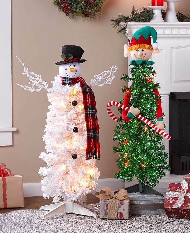 Character Christmas Tree Ideas 2020 Lighted Character Christmas Trees in 2020   Diy christmas lights