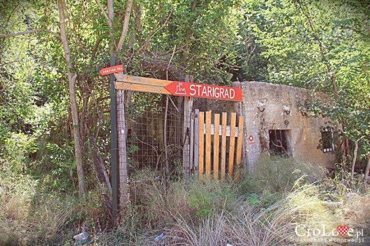 Ścieżka prowadząca do Twierdzy Starigrad (Fortica) w Omišu || http://crolove.pl/twierdza-starigrad-fortica-omisu/ || Omis #Chorwacja #Croatia #Hrvatska