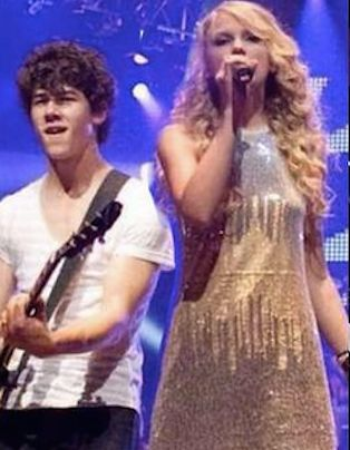 This Throwback Pic Of Nick Jonas & Taylor Swift Will Give You All The Feels