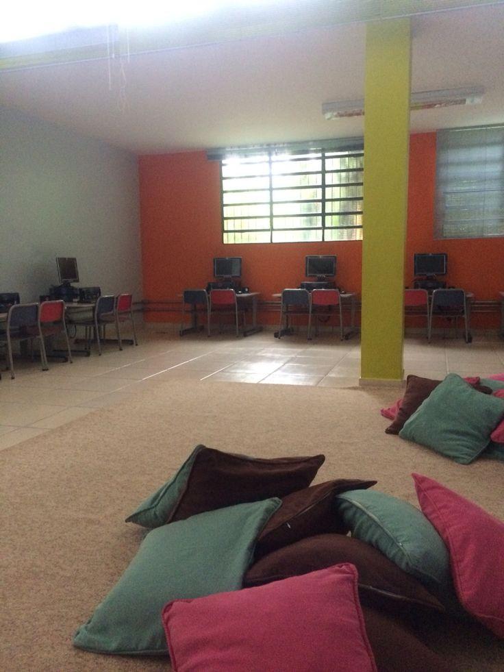 Sala de informática infantil do Liceu de Campinas