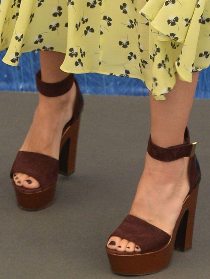 Naomi Watts in Nicholas Kirkwood sandals
