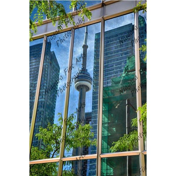 CN-Tower-Reflection-2x2.jpg 600×600 pixels