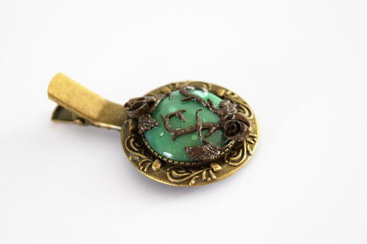 Pince à foulard / broche bronze pierre jade et petite rose : Broche par melicreart