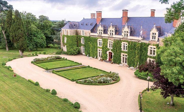 Chateau de l'Epinay, France  http://www.historichotelsofeurope.com/property-details.html/chateau-de-lepinay