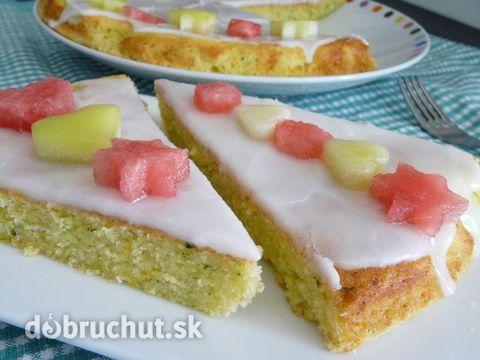Fotorecept: Cuketový koláč s citrónovou polevou