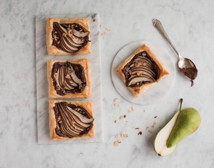 Opskrift på en pærelet og ekstremt nem pæretærte med kun 6 ingredienser! En super hyggelig eftermiddagskage eller serveret som en lun dessert!