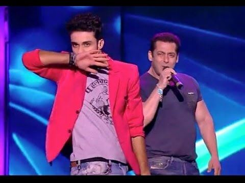 Salman Khan And Raghav Most Funny Moments In Awards Function Life Ok http://youtu.be/uS02nI67pYA