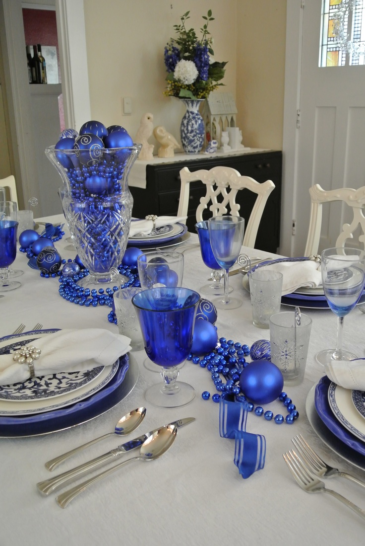 Silver and white christmas table decorations - Blue White Christmas Table