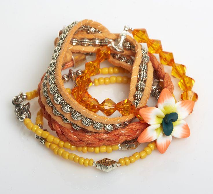Armbänder in Orange