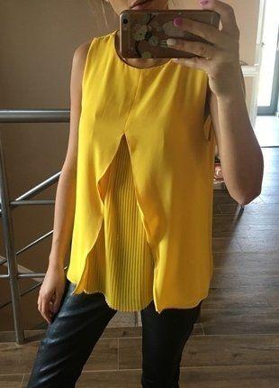 Kup mój przedmiot na #vintedpl http://www.vinted.pl/damska-odziez/bluzki-bez-rekawow/15474474-zolta-bluzka-zara-plisowana-z-przodu-rozmiar-s