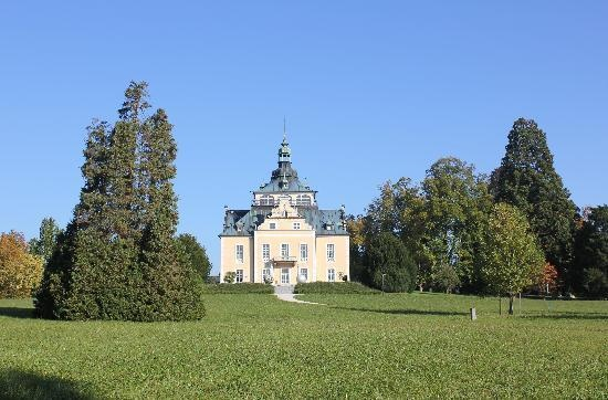 Villa Toskana and some of Toskana Park. Beautiful and right on a lake. In Gmunden, Austria