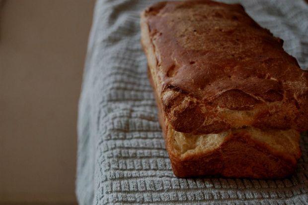 Ο γιατρός ήταν ξεκάθαρος: «κομμένη η γλουτένη για σένα. Ψωμί και ζυμαρικά μόνο από αλεύρι ζέας.» Κι έτσι άρχισα να το ψάχνω. Τι είναι η Ζέα; Το αρχαιότερο ίσως δημητριακό και βασικό συστατικό της διατροφής των αρχαίων. Στους πάγκους της λαϊκής, δίπλα στα όσπρια και στους ξηρούς καρπούς, βρήκα το πολύτιμο αλεύρι της.