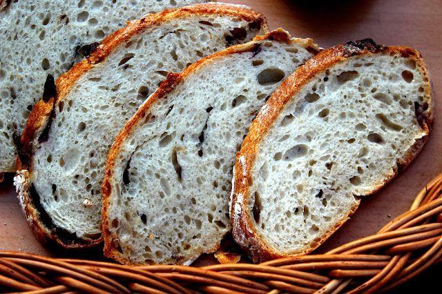 Vadkovászsuli: Lila hagymás fehér, vad-kovászos kenyér