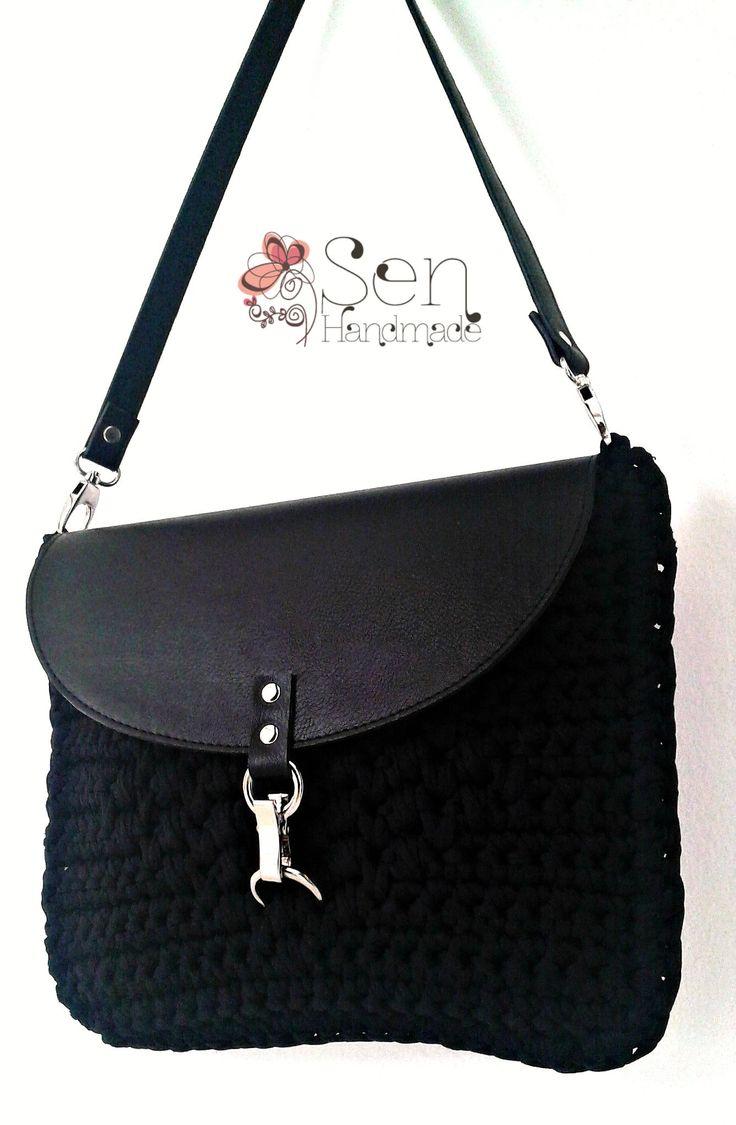 crochet saddle bag in black