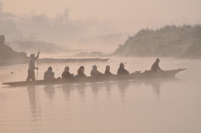 Rapti, Chitwan, Poranna przeprawa, NEPAL