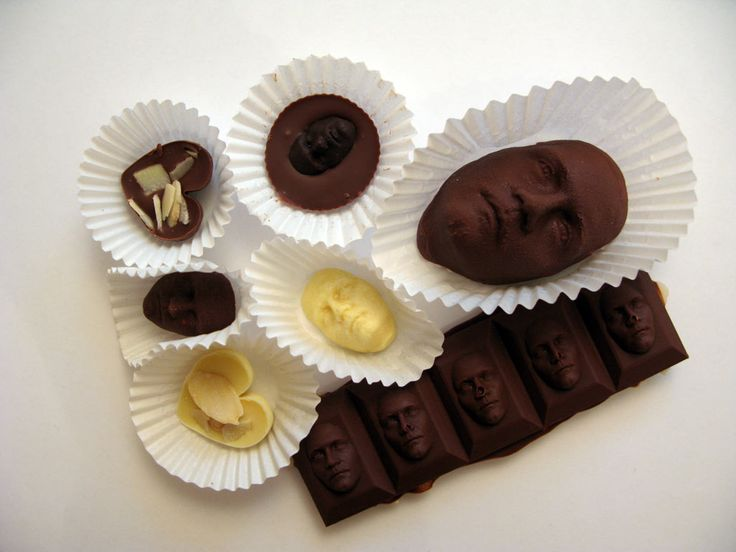 Scan and your own face and print it into chocolate pieces. | #3DPrinted #3DPrinting #Customized