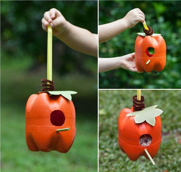 Here's a fun craft to do with the kids: make a pumpkin bird feeder our of 2…