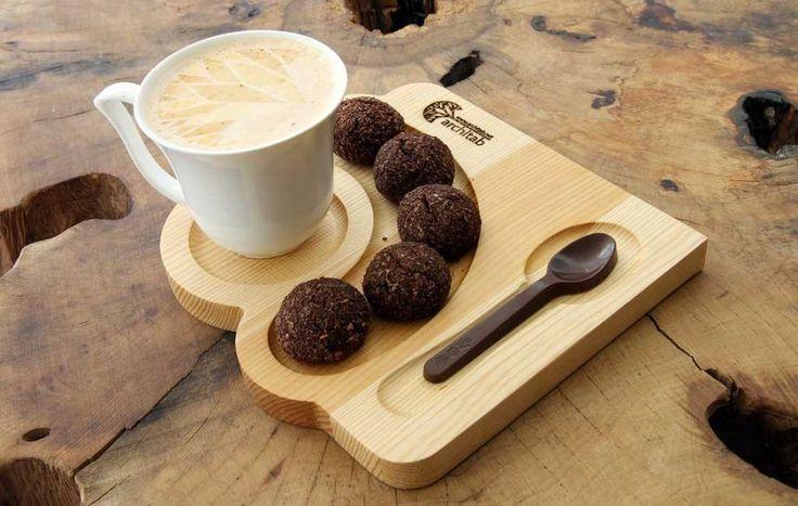 Ahşap kahve ve çay servisi. Kurabiyelik ve çikolata kaşıklık Zet.com'da 32 TL