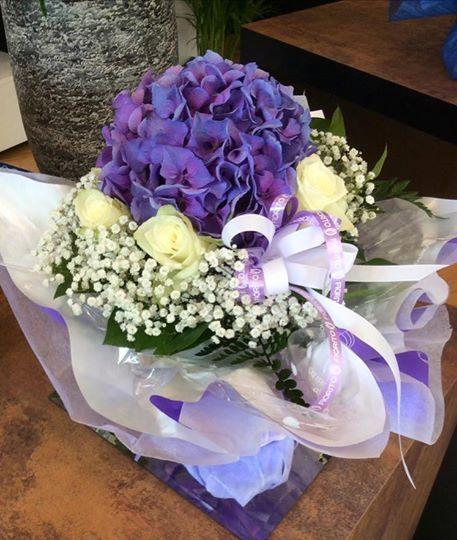 Bouquet di ortensie e rose...#Fiorito #composizioni #floreali