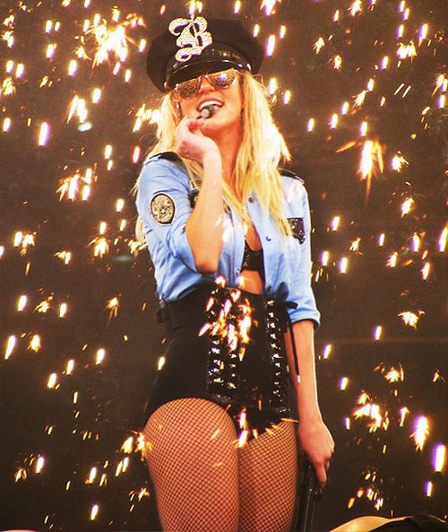 Britney Spears - Womanizer // The Circus Starring: Britney Spears Tour
