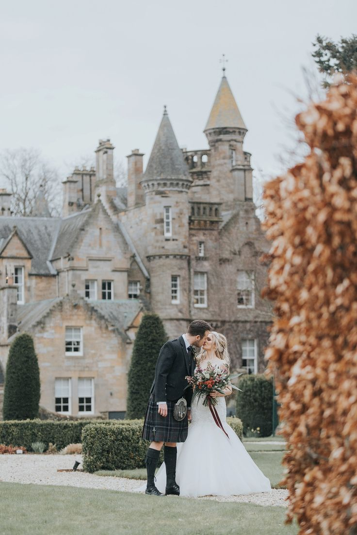 Castles In The Sky: Romantic Styled Bridal Shoot In Scotland