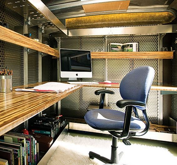 Utility trailer turned into a home office. Landscape architect Andreas Stavropoulos pulls it to worksites behind his Honda CR-V, and lives full time in an Airstream.: Work, Offices Desks, Mobiles Offices, Landscape Architects, Homes Offices, Offices Idea, Mobiles Homes, Airstream Trailers, Design Offices