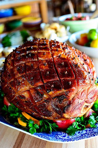 Easter Ham by Ree Drummond / #The Pioneer Woman  http://thepioneerwoman.com/cooking/2013/03/glazed-easter-ham/