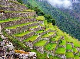 79 - ANDENES INCAS - Huasahuasi. El lugar de origen de la papa se sitúa en los Andes centrales de nuestro territorio, según la leyenda en un hermoso lugar llamado Huasahuasi, cuando llegué a este paraje sentí lo que los nativos del lugar llaman el embrujo de la papa.
