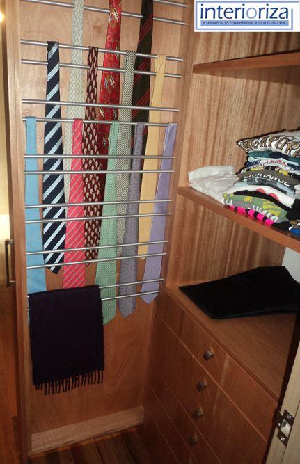 Te presentamos una idea inteligente para guardar ordenadamente tus corbatas.