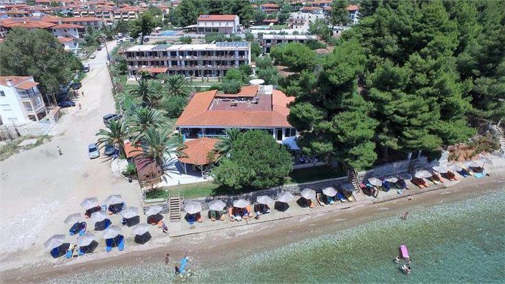 Predstavljamo vam odličan hotel Porto Matina koji se nalazi na peščano-šljunkovitoj plaži u mestu #Metarmofozi na Sitoniji 🌞 11-20. juna, Apartman, polupansion, sopstveni prevoz, 48 evra po odrasloj osobi, dvoje dece letuju gratis
