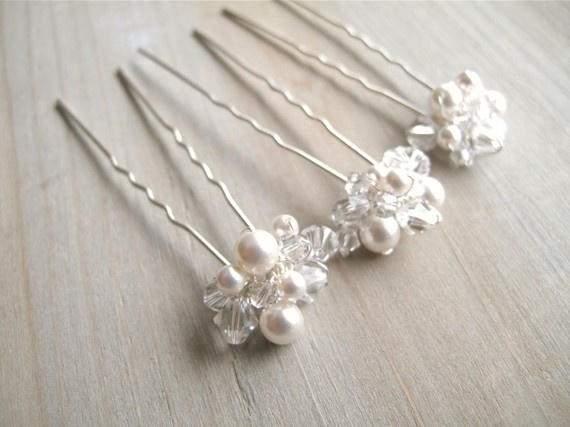 Pearl and Bead Hair Pins...how pretty would these be scattered throughout your hair?