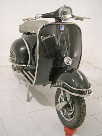 Model: Vespa VBB Year: 1964 Color: Pure Black Price: US$ 1650 Shipping: US$ 450 (Worldwide Port) #vespa, #classic vespa, #vintage vespa, #classic lambretta, #vintage lambretta, #vintage italian, #vespa scooters, #vespa retro, #used vespa for sale, #scooters, #moped scooter, #lambretta sx200, #lambretta sx 200, #faro basso