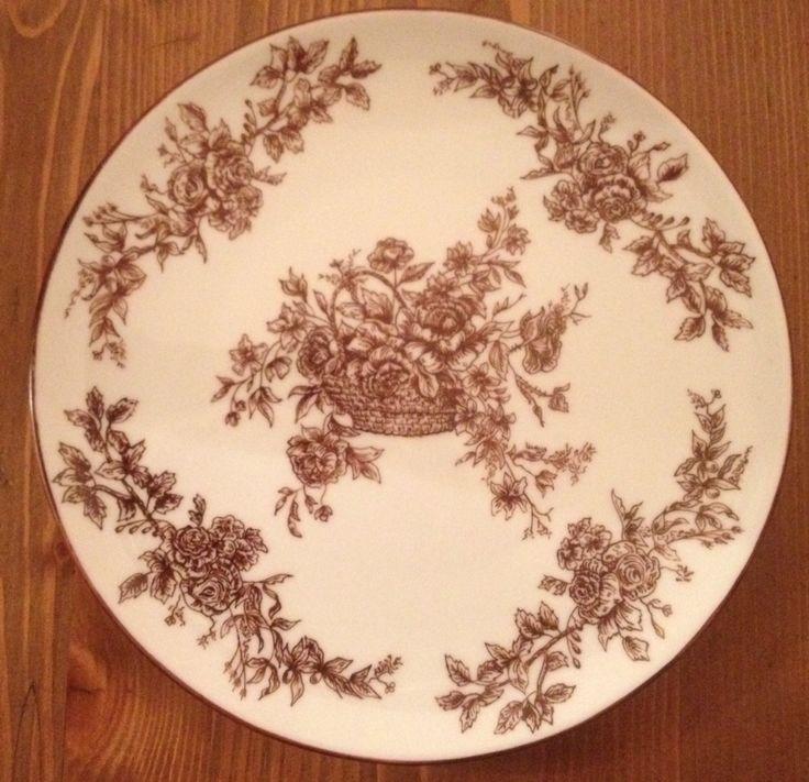 Plato de porcelana pintado a plumilla