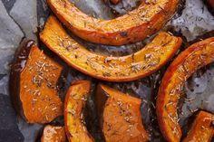 Le potiron et le potimarron en 30 recettes : pourquoi ne pas tout simplement rôtir les tranches ? Voir les astuces groumandes à ne pas oublier.