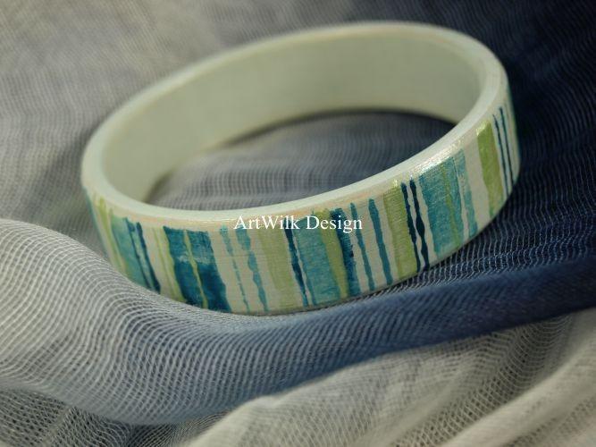 Hand painted bracelet by ArtWilk