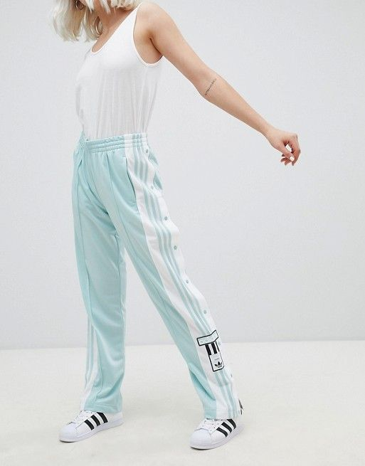 new product de409 bed80 adidas Originals   Pantalones en menta con botones de presión adicolor de  adidas Originals