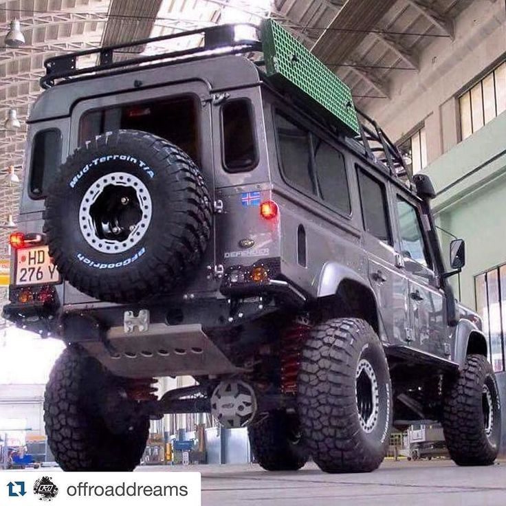 #Repost @offroaddreams Land Rover Defender -by