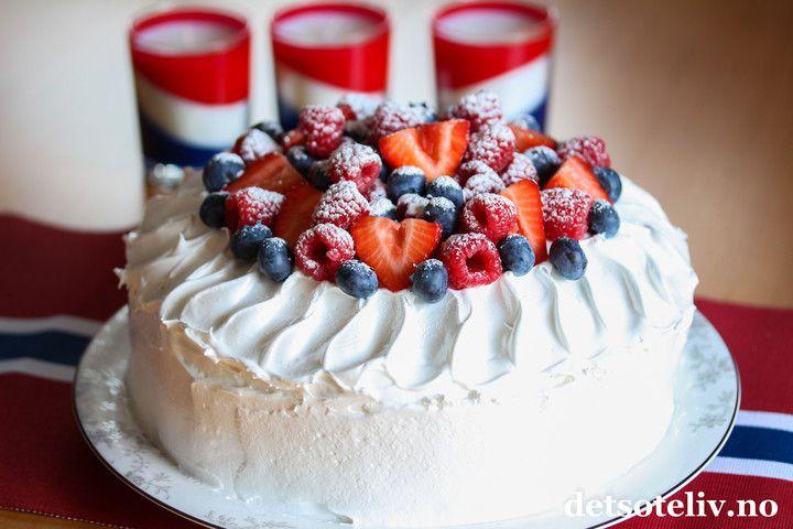 17. mai-kake med marengskrem | Det søte liv