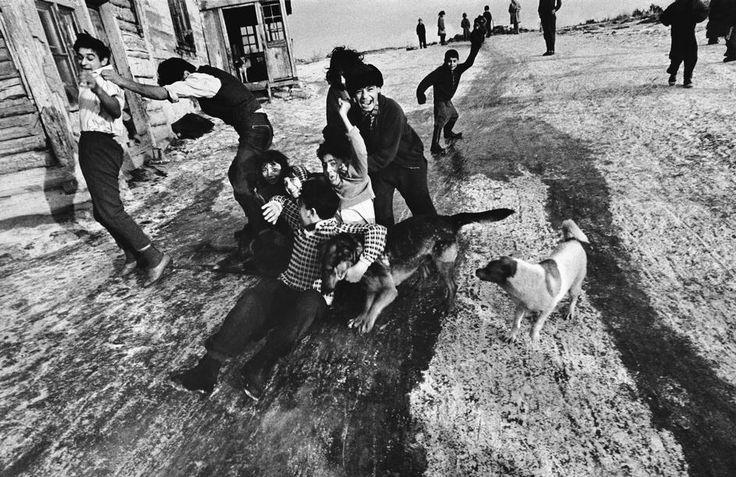 vintage everyday: Life of Gypsies by Josef Koudelka