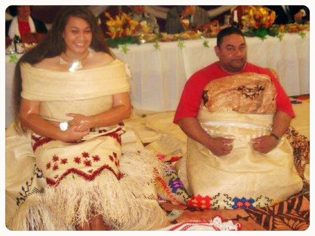 Graduation Party pic along with my Fa'ehuki. Outfit designed by my moms and aunties. #tonganstyle #graduation #Party