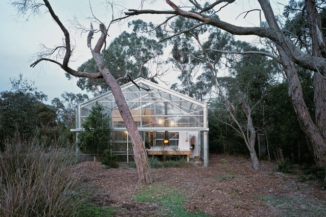 The house is pared down to the barest of essentials: an off-the-shelf steel shed kit with polycarbonate cladding, three large facade walls, a raised deck, timber mezzanine and plumbing. Baracco and Wright Architects' Garden House | Architecture AU