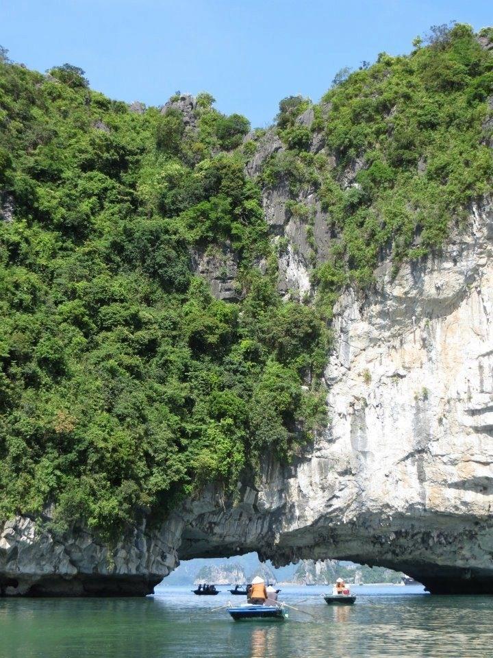 Rainbow Cave, Halong Bay