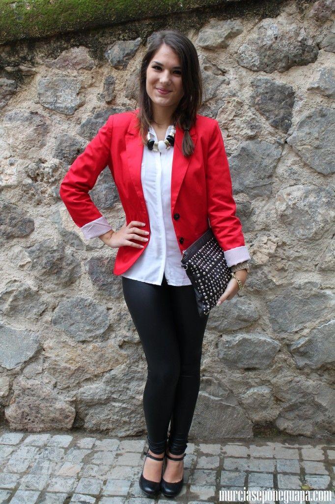 25+ beste ideeu00ebn over Saco Rojo op Pinterest - Outfit pantalon rojo Rode jurk informeel en Rode ...