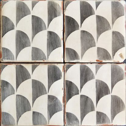 Antiqued hand-painted terra-cotta tile. From our Palio collection, Corteo 4