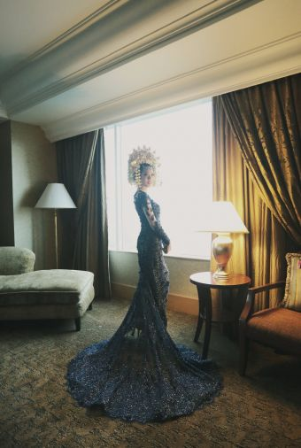Stunning blue dress with beads detail. more pics : http://www.bridestory.com/blog/elegant-traditional-minang-wedding