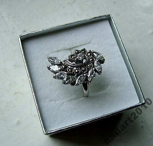 stary duży srebrny pierścionek cyrkonie markazyty
