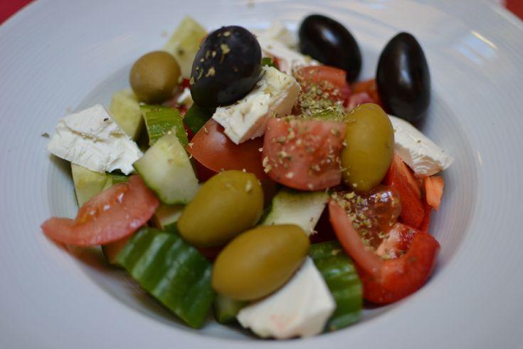 Šopský salát / Balkan salad